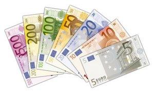 885 Euros